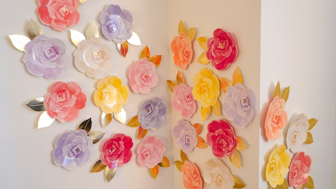 DIY Party Backdrop With Flower Paper Plates